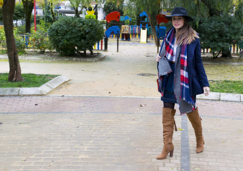 outfit-abrigo-sombrero-26