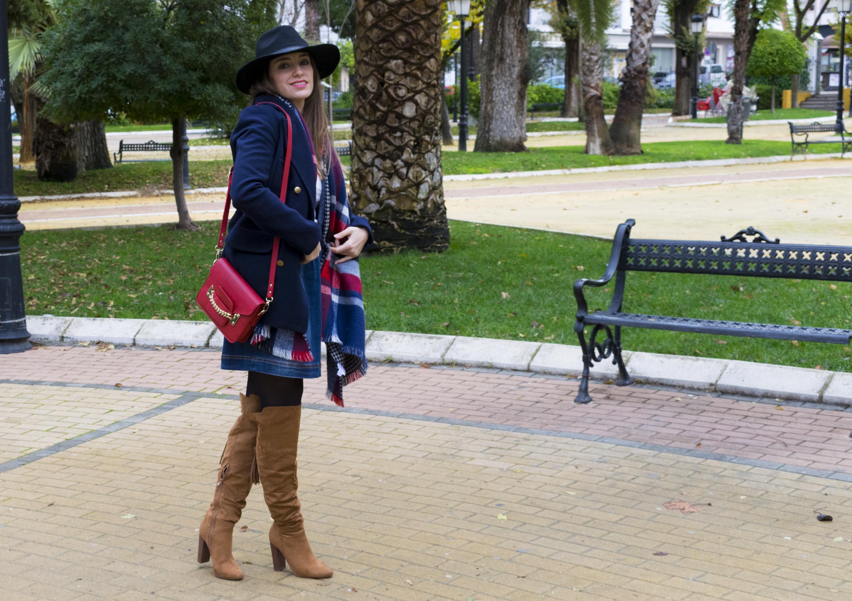 outfit-abrigo-sombrero-9