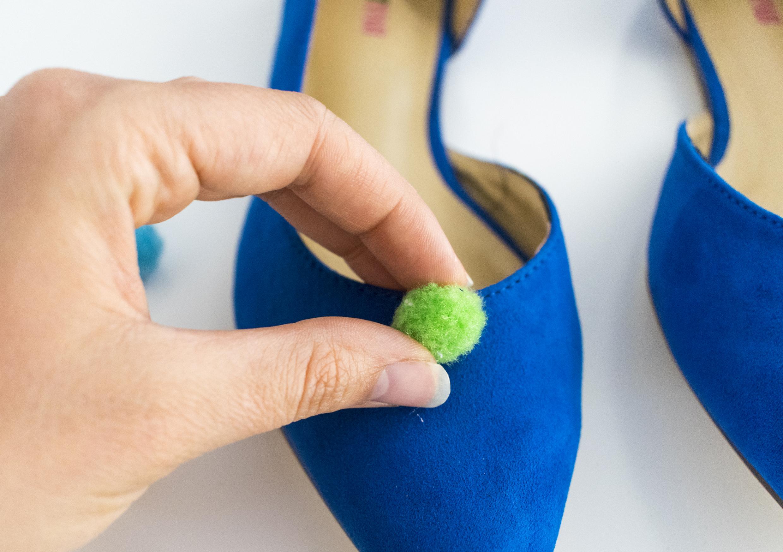 Pompones-shoes-3